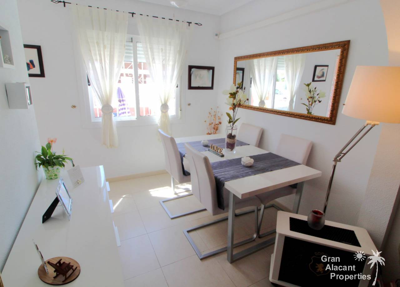 Immaculate townhouse with unbeatable Gran Alacant location
