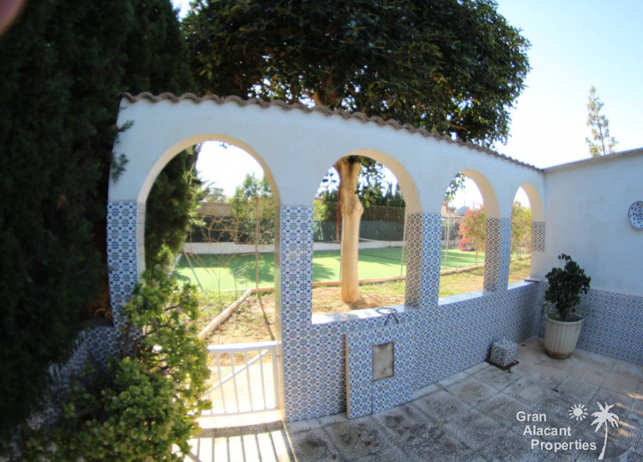 REF 10078 Los Limoneros Villa With Pool On Large Plot, El Altet