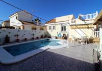 REF 10166 Immaculate 2 bed Villa With Pool And Sea Views