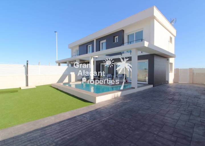 Semi Detached Villa - Sale - Gran Alacant - Monte y Mar