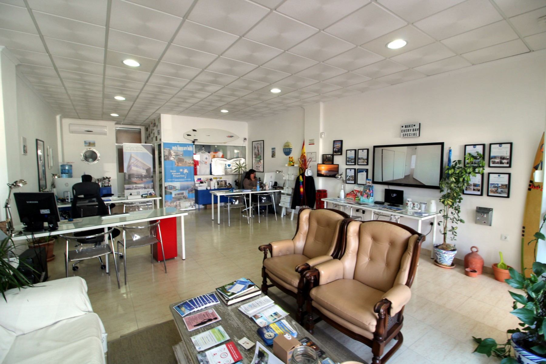Gran Alacant Properties spacious and open office