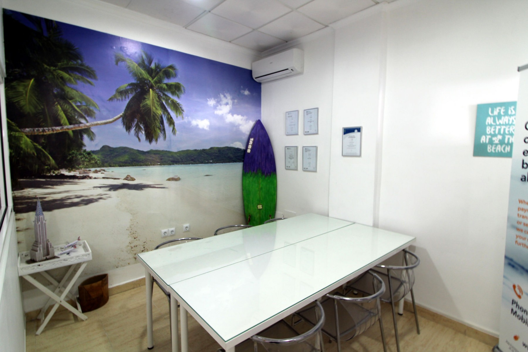 Gran Alacant Properties conference room